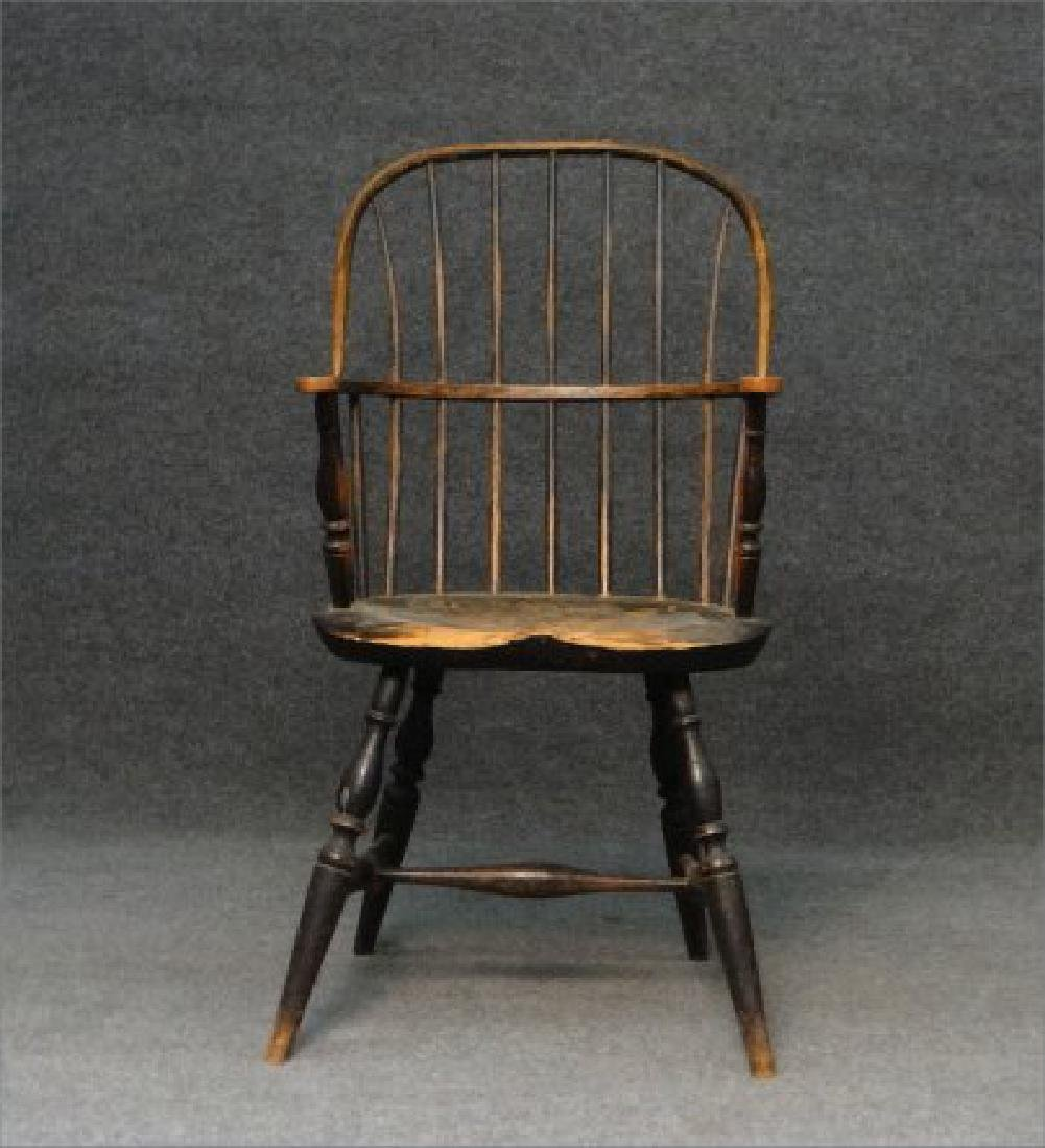 EARLY SACK BACK WINDSOR ARM CHAIR (CRACK IN BOW) - 2