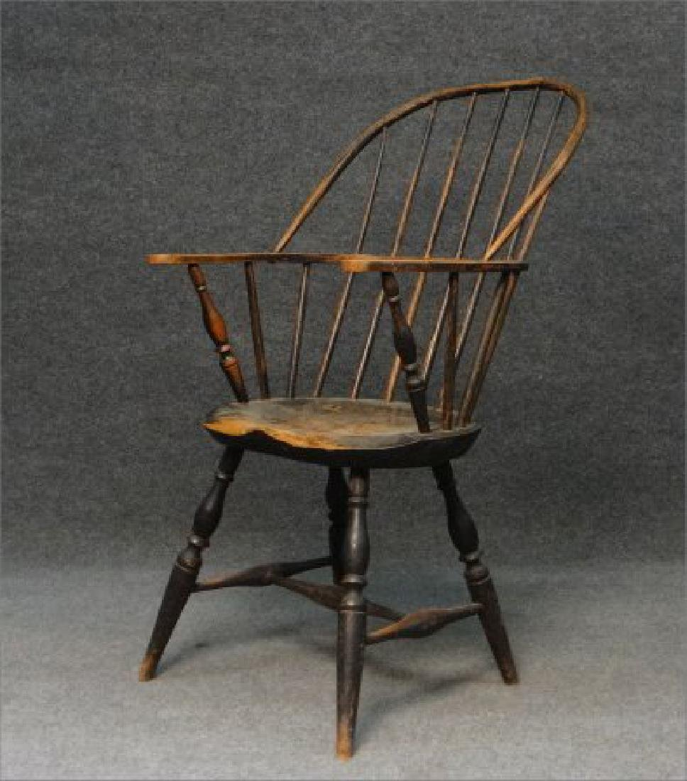 EARLY SACK BACK WINDSOR ARM CHAIR (CRACK IN BOW) - 3