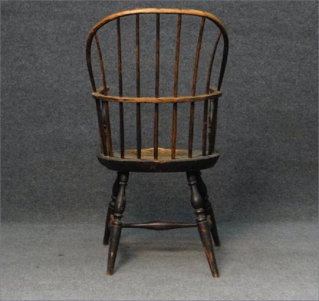 EARLY SACK BACK WINDSOR ARM CHAIR (CRACK IN BOW) - 4