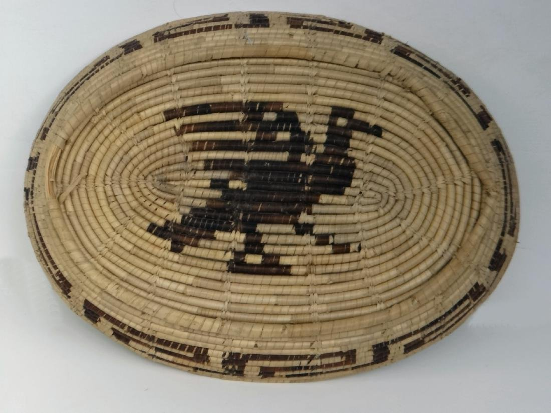 GROUP OF NATIVE AMERICAN POTTERY & BASKETRY - 5