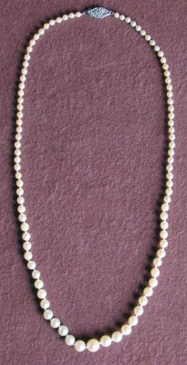 "5: 16"" Strand Of Graduated Pearls"