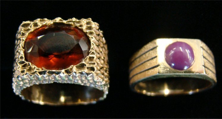 14: Two 14K Gold Mens Rings:  Star Sapphire & Amber
