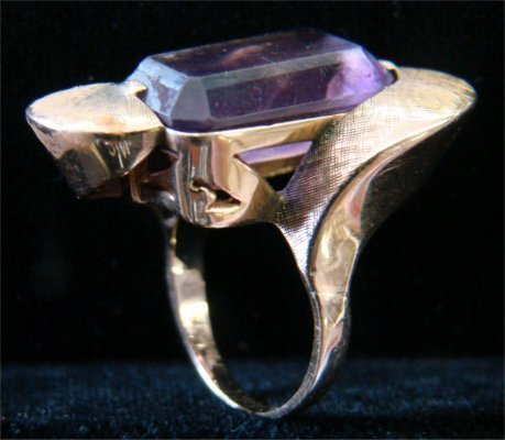 1: 14K Yellow Gold Ring With Large Amethyst, 13.5 dwt