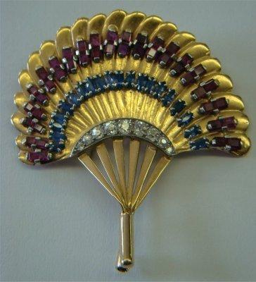 2: Seaman & Shepps 14K Yellow Gold Fan Shaped Brooch