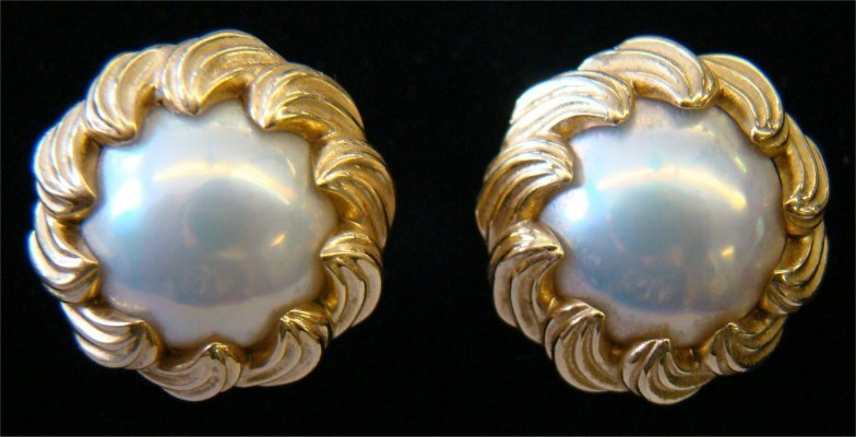 8: Pr Of Tiffany 18K Yellow Gold Earrings Mabe Pearls