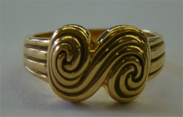 11: Tiffany & Co. 18K Yellow Gold Ring