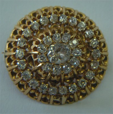 12: 14K Yellow Gold & Diamond Brooch