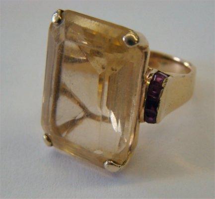 16: Seaman & Schepps 14K Gold Ring With Large Topaz