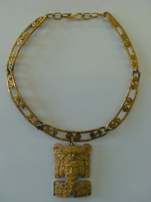21: 18K Gold Egyptian Necklace With Mask Pendant