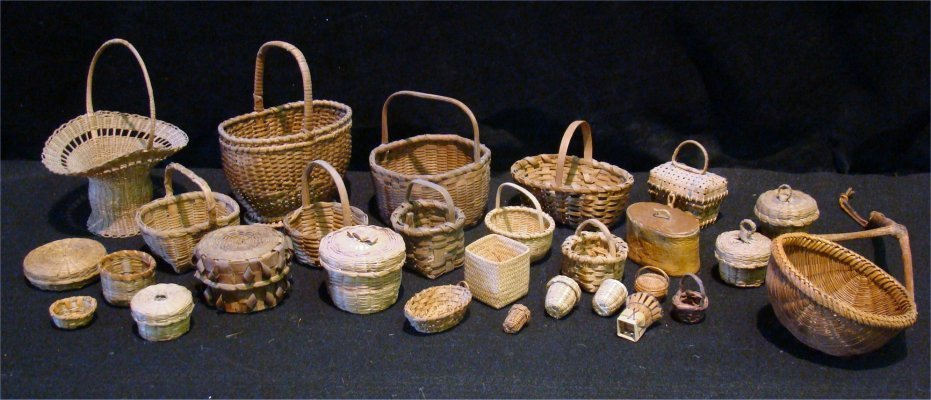 "17: Large Group Of Baskets, Largest Measures 6"" In Diam"