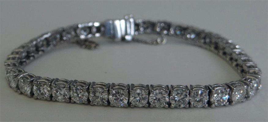 Diamond & Platinum Bracelet With 38 Diamonds