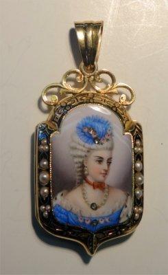 French Gold Locket With Enamel Decoration & Diamonds