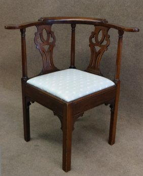 Georgian Walnut Corner Chair