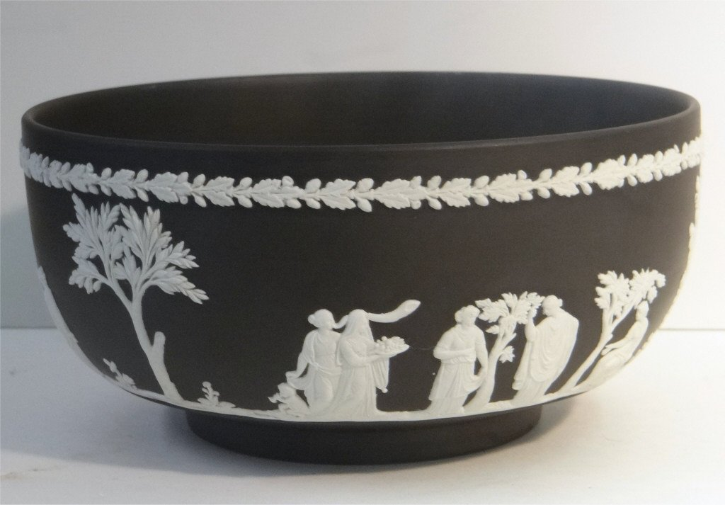 WEDGEWOOD JASPERWARE CLASSICAL BOWL