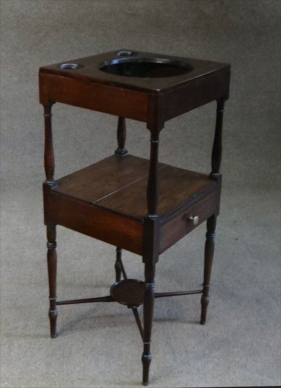 EARLY 19THC. BASIN STAND W/ CROSS STRETCHERS - 3