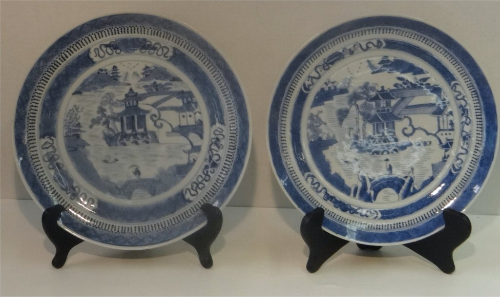 "PR OF EARLY NANKING 10"" BLUE & WHITE PLATES"