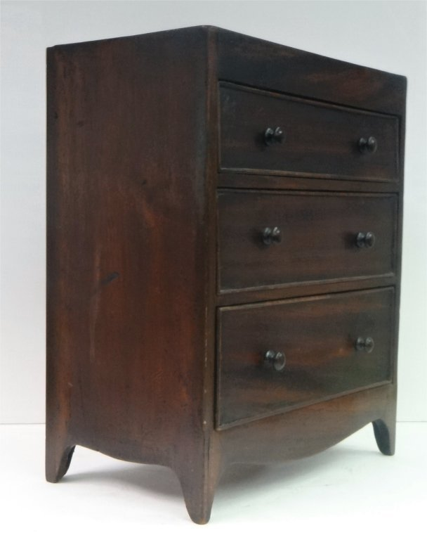 MINIATURE 3 DRAWER CHEST C. 1815 - 3