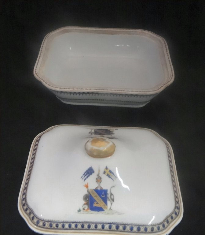 "CHINA TRADE ARMORIAL COVERED DISH 10"" LONG - 2"