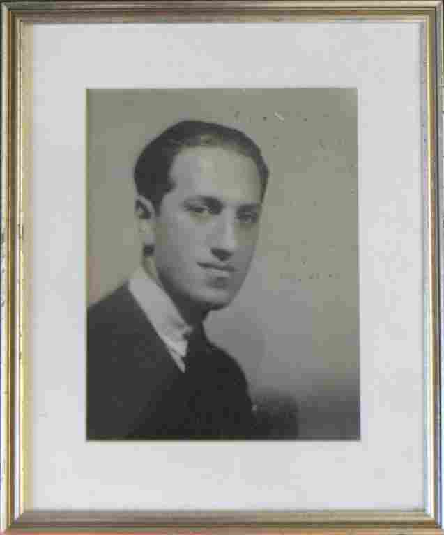 AUTOGRAPHED PHOTOGRAPH OF GEORGE GERSHWIN