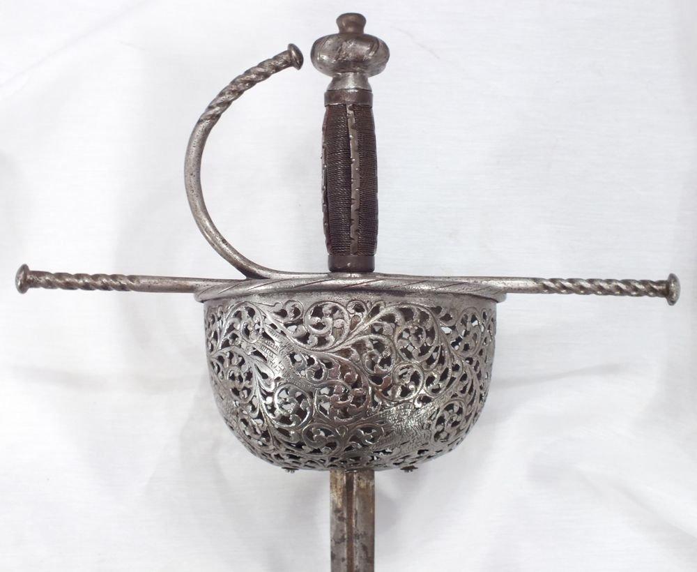 5: SPANISH CUP HILTED RAPIER C.1650-1700 SWORD