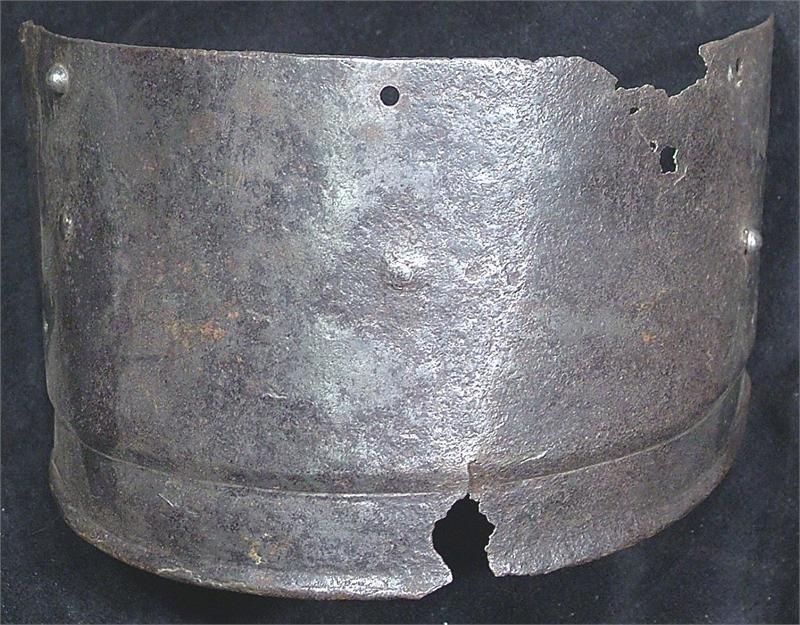 24: ANTIQUE GERMAN ARMOR TASSET PLATE C.1570-1600