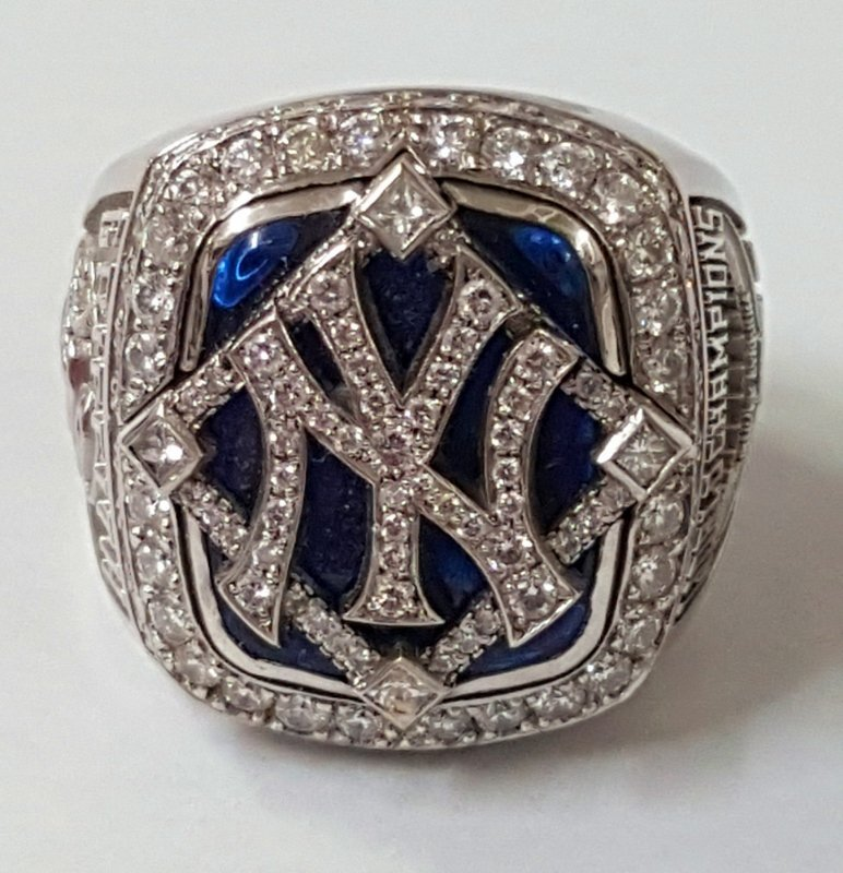 Minty 2009 NY Yankees Baseball MLB Diamond Ring - 2