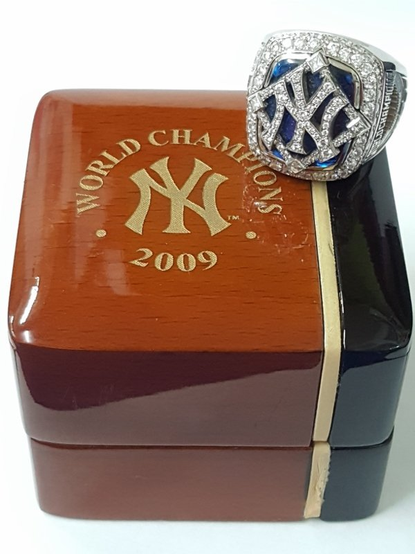 Minty 2009 NY Yankees Baseball MLB Diamond Ring - 7