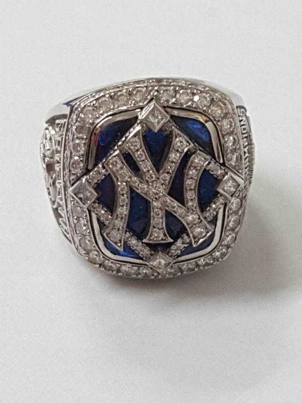 Minty 2009 NY Yankees Baseball MLB Diamond Ring - 8