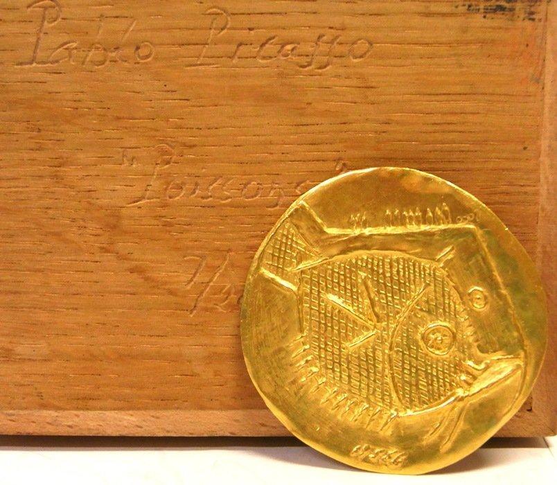 Rare Picasso 23k Gold Poissons Medallion 7 of 20 w Box