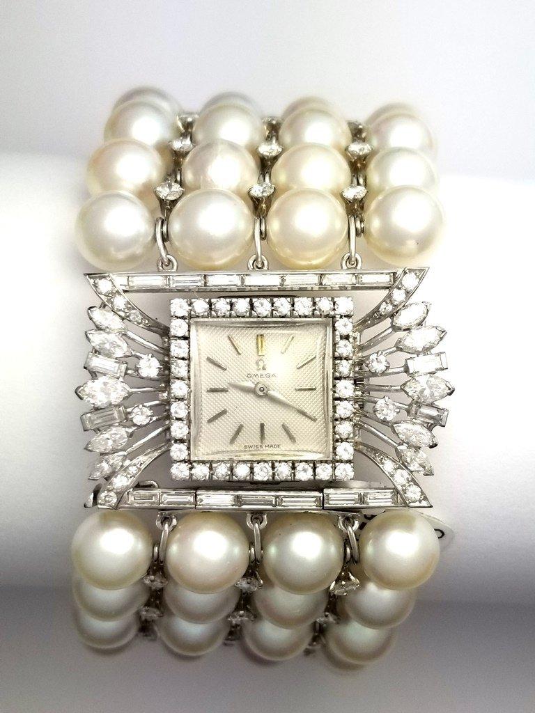 Vintage Retro Deco Omega Watch Set In Platinum Case wit