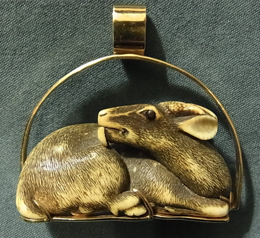 21: Ivory Deer Stag Netsuke in Heavy 14K Gold Mount