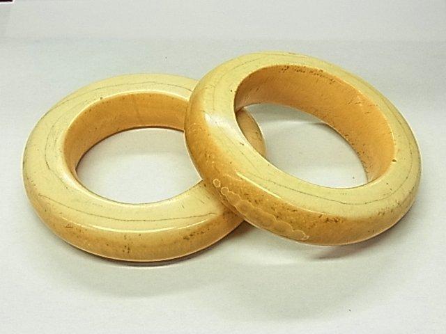2: Lot of 2 Antique Carved Ivory Bangle Bracelets Fine