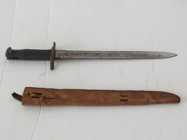 Antique WWI US ARMY 1902 Bayonet with Long Brown Leathe