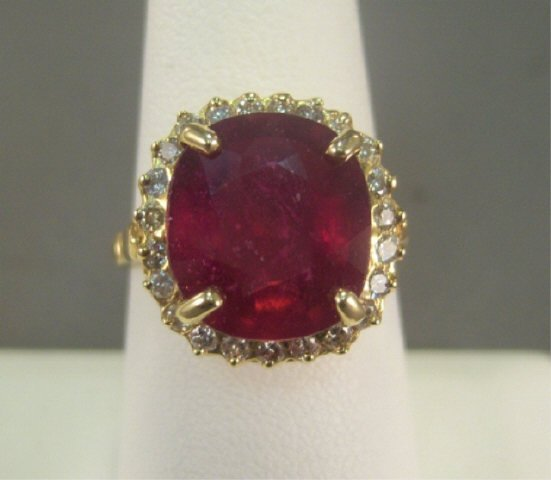 9: 14Kt Gold Ruby and Diamond Ladies Ring