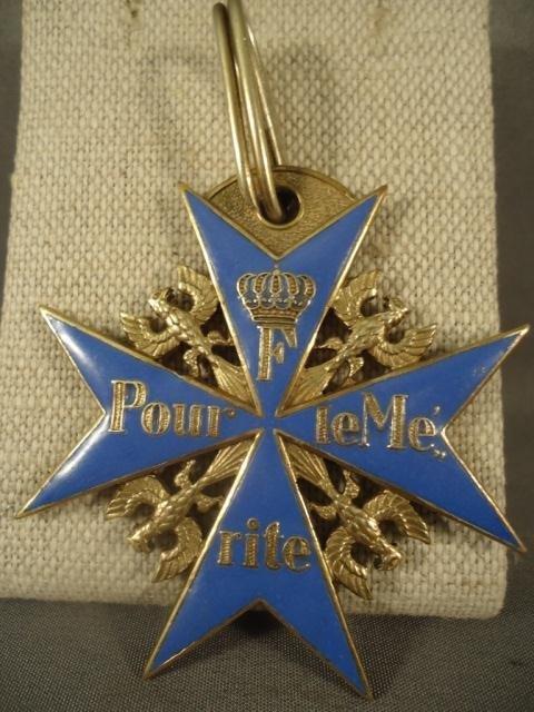 10: German WWI Pour Le Merite Blue Max Neck Order