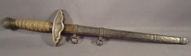 17: WWII Miniature Luftwaffe 2nd Model Officer Dagger