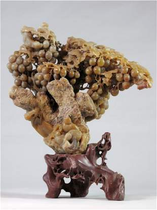 010: Chinese Shoushan Soapstone Carving of Grape of