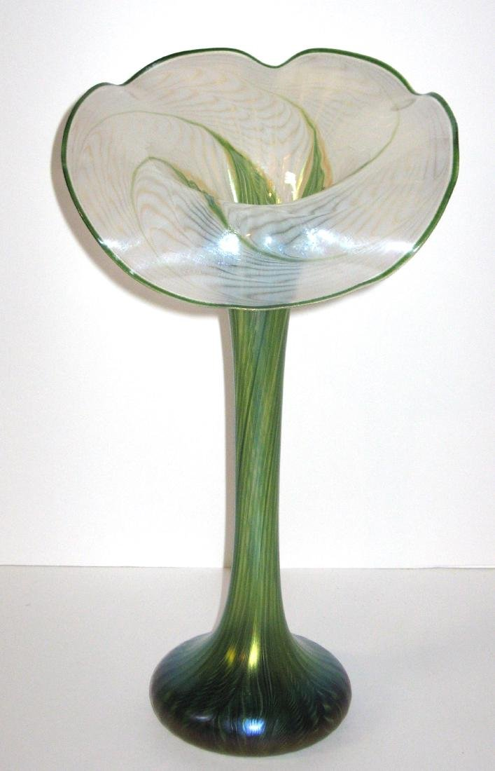Lundberg Art Glass jack-in-the-pulpit,