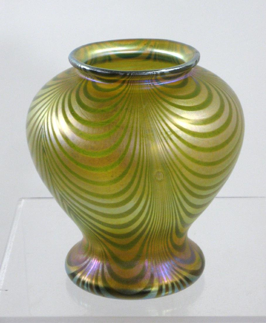 Quezal decorated glass vase - 2