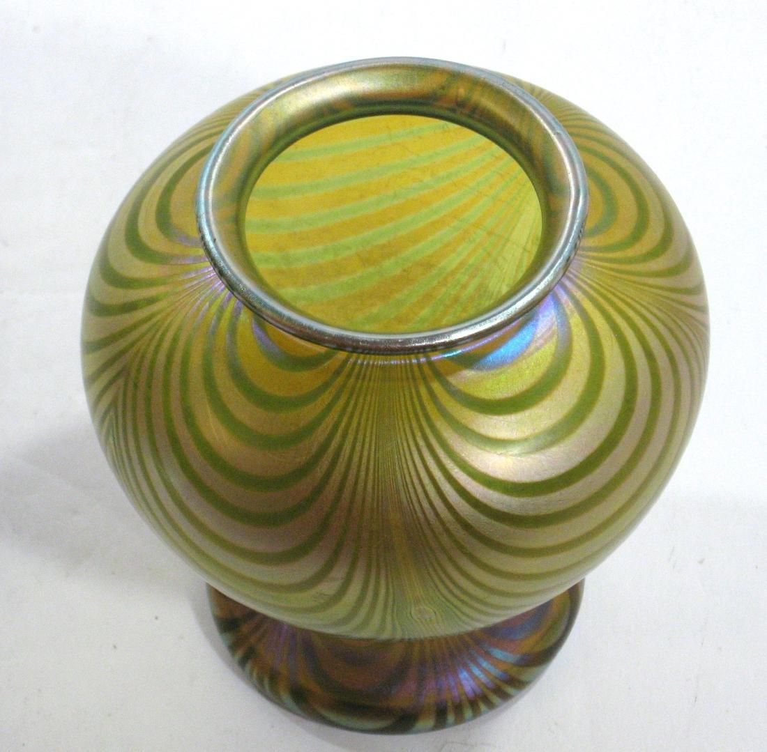 Quezal decorated glass vase - 3