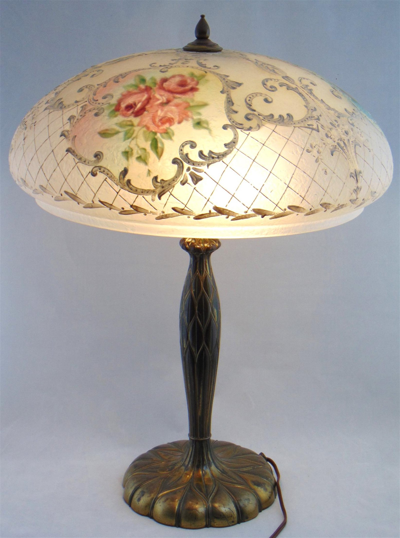 Pairpoint art glass table lamp
