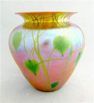 Durand heart and vine glass vase