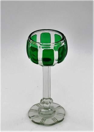 Green Listovane goblet