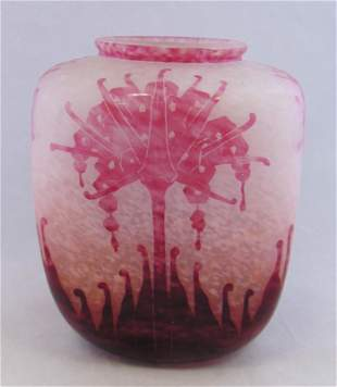 Le Verre Francais French cameo vase