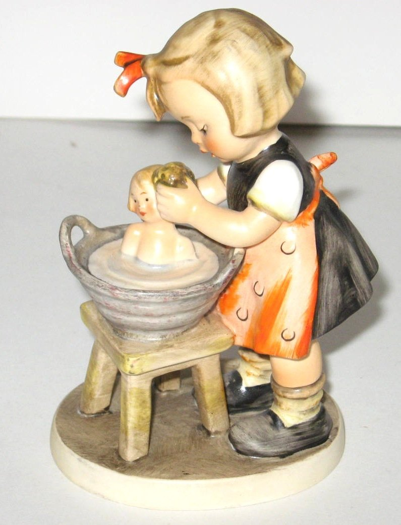 "Hummel #319 ""Doll Bath"""
