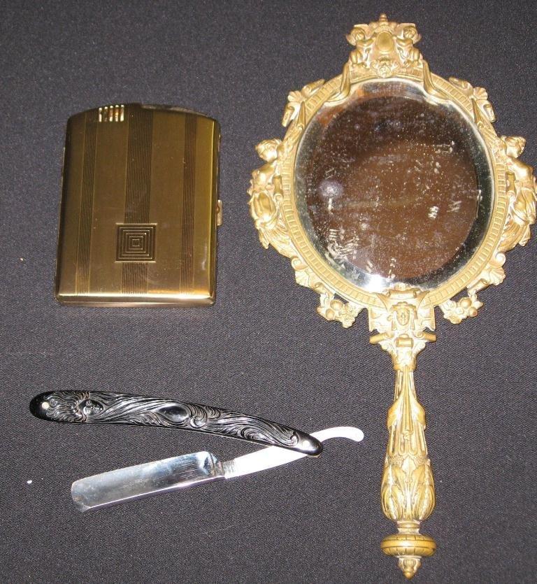 Three piece vanity grouping,