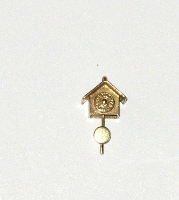 14K yellow gold charm pendent,