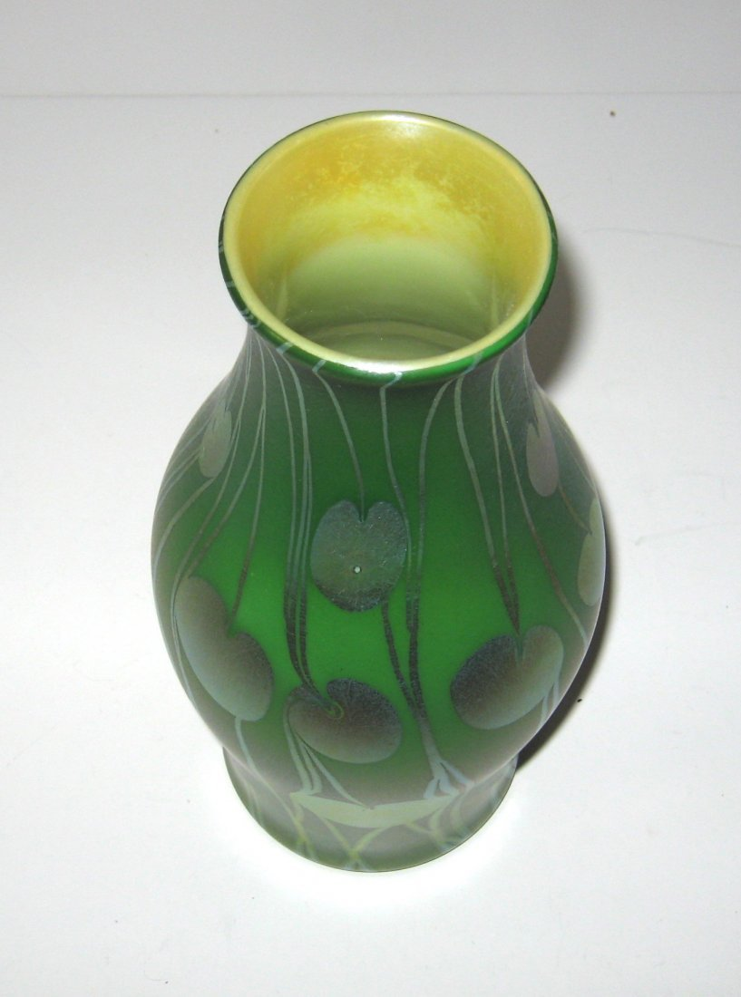 Monumental Tiffany Corona glass vase, - 3