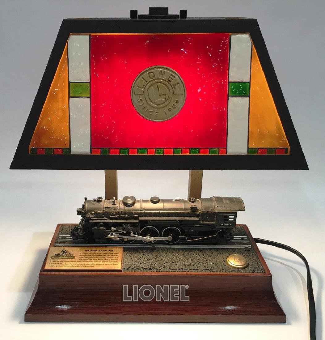 THE LIONEL HUDSON 700E TABLE LAMP BY LIONEL TOY TRAINS