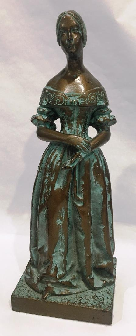 STATUE OF WOMAN BY HARRIS INDUSTRIES